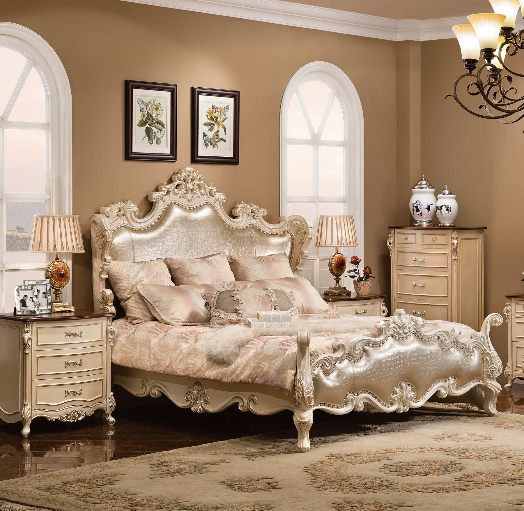 Salisbury Bed shown in Egyptian Pearl finish